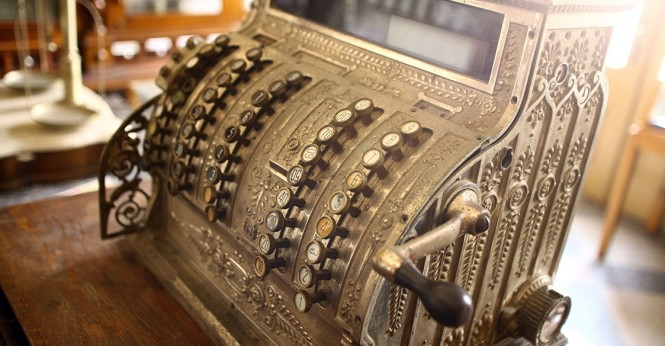 Sejarah Mesin Kasir dan Perkembangan Kegunaannya