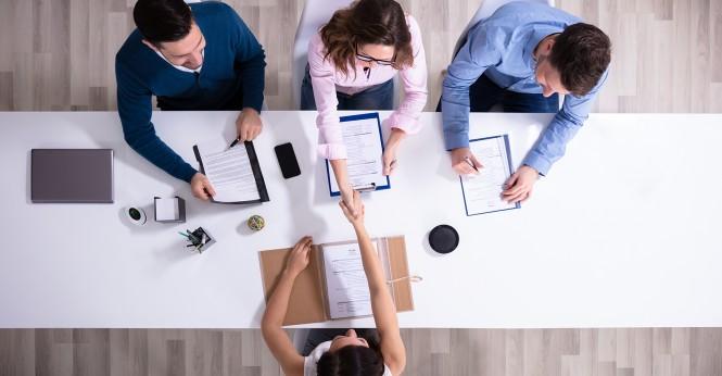 Ciri-Ciri Usahamu Sudah Perlu Rekrut Karyawan